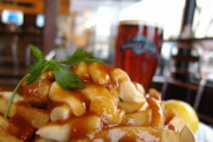 classic-poutine+beer-web